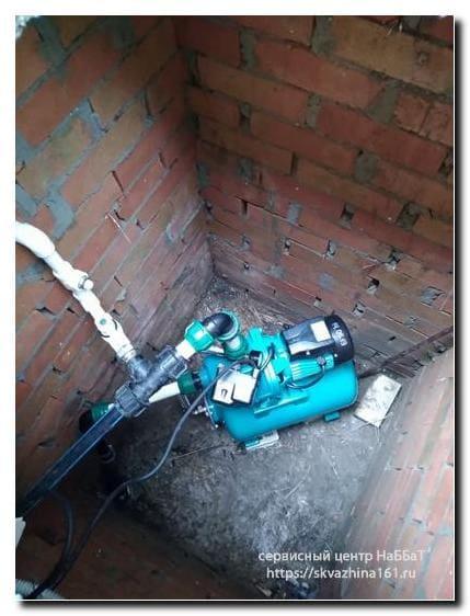 Частный дом скважина как проводить водопровод смета кессон или адаптер